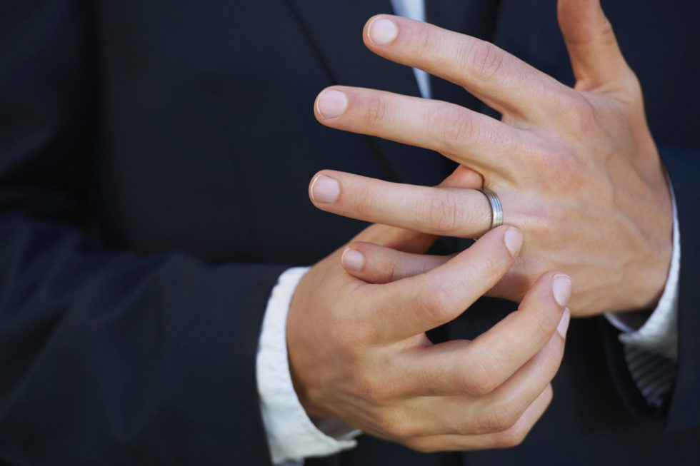 Mens Wedding Ring Finger The Key To A Keeper, True Or False?!